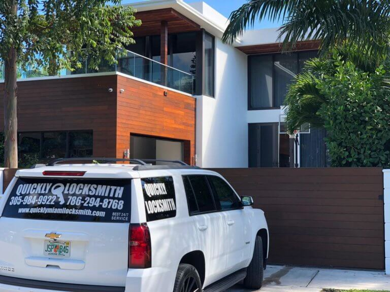 local locksmith services for residential properties in Miami